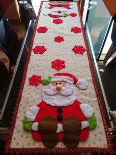 16 Best Ideas For Patchwork Diy Quilt Ideas Christmas Sewing, Felt Christmas, Christmas Time, Christmas Ornaments, Clay Christmas Decorations, Christmas Projects, Holiday Crafts, Christmas Runner, 242