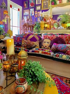 33 Stunning Bohemian Living Room Decor Ideas - The adjective 'shabby' has been given new life, especially after the Bohemian aesthetic came into vogue in the and It is a look that aims to . Bohemian House, Bohemian Living, Bohemian Room, Bohemian Interior, Boho Living Room, Living Room Decor, Decor Room, Gypsy Room, Barn Living