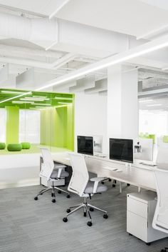 Elasticsearch Office by Garcia Tamjidi Architecture Design – Office Snapshots – office inspiration workspaces Open Office, Cool Office Space, Corporate Office Design, Corporate Interiors, Office Interiors, Workspace Design, Office Workspace, Office Interior Design, Office Spaces