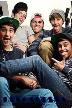 JANOSKIANS!! btw just wanna say that i am sooo proud of James! He showed all the haters who called him fat and ugly! #proudofyouJames