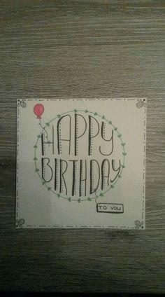 Happy birthday verjaardag kaartje krijtstift raamtekening handlettering lettering