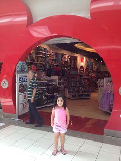 Mi primera vez en una tienda Disney
