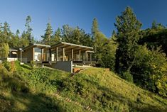 wood-and-glass-cabin-home-brings-luxury-to-nature-1.jpg (940×632)