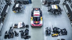 Peugeot has revealed the official colors of the new 3008 DKR, which will compete in the 2017 Dakar rally. 3008 Gt, Rallye Paris Dakar, Peugeot 3008, Combat Gear, Courses, Offroad, Race Cars, Racing, Red Bull
