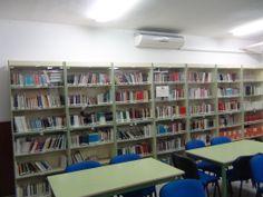Estanterías de nuestra biblioteca escolar
