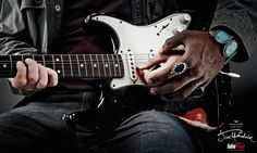Guitar Player Mag: Play like Jimi Hendrix.