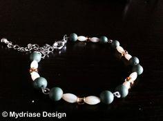 Bracelet de chaîne fait à la main de couleur vert.