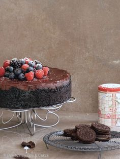 the best chocolate cheescake recipe; oreo crust; a rich cheesecake batter made with melted chocolate and cocoa with a little heavy cream for smoothness; topped with a creamy dark chocolate ganache