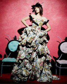Фантастические наряды Haute Couture из коллекций Chanel, Armani, Dior, Giambattista Valli, Christian Lacroixв объективе испанского фотографа Марио Сьерра.   5 DISEÑADORES Winter 10-11   ARMANI PRIVE WInter 2011-12   Summer2010   …