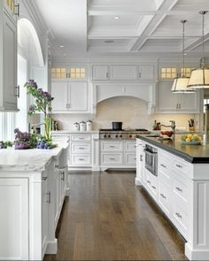 4 Enormous Clever Ideas: Kitchen Remodel Grey And White kitchen remodel bar granite.Kitchen Remodel Design Light Fixtures country kitchen remodel on a budget. Home Interior, Interior Design Kitchen, Modern Interior, Luxury Interior, Interior Ideas, Luxury Kitchen Design, Interior Office, Classic Interior, Beautiful Kitchens