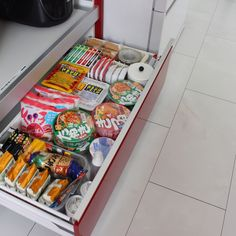 ____rie.dvl____さんの、引き出し,インスタと同じpic,Instagramやってます,丁寧な暮らし,暮らし,シンプルライフ,シンプルな生活,カップボード,整理整頓,整理収納,収納,非常食,防災対策,キッチン,のお部屋写真 Japanese Candy, Organization, Food, Kitchen, Travel, Sweets, Getting Organized, Japanese Sweet, Organisation