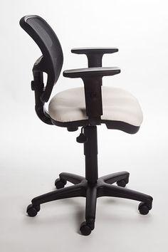 CLIO : Solo puede esperarse cosas buenas de una silla que se preocupa por todo. Para más información dale clic a la imagen.