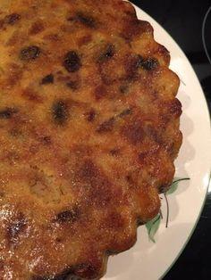 Gâteau de pain perdu aux pommes et raisins - Recette de cuisine Marmiton : une recette