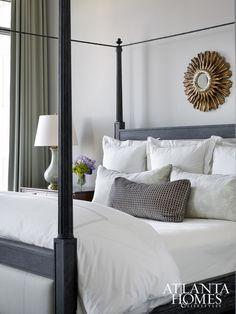 Une chambre reposante | design, décoration, chambres. Plus d'dées sur http://www.bocadolobo.com/en/inspiration-and-ideas/