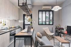 Inspiring Small Apartment Interior Design Ideas To Try - Decoration Tips Small Loft Apartments, Small Apartment Living, Small Apartment Design, Studio Apartment Decorating, Small Room Design, Apartment Layout, Small Living Rooms, Apartment Ideas, Awesome Apartments