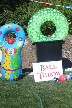 Summer Activity Idea: Backyard Carnival from Landee See Landee Do; fun games you can put together in the backyard.
