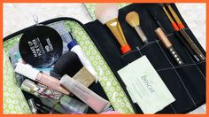 WHAT'S IN MY MAKEUP BAG + Giveaway