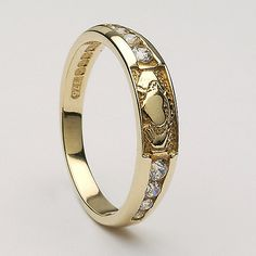 Love this Celtic Wedding Band!
