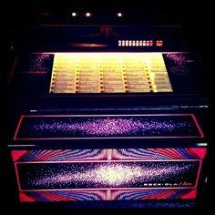 Rock Ola 459 Jukebox  Super schöne und voll funktionstüchtige Rock Ola Jukebox inklusive ca. 50 Singles (70er-90er)