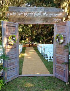 Love this idea for an outdoor wedding!!