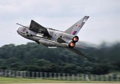 A lovely lightning strife ( well lovely IF watched as an air display set piece BUT definitely NOT lovely if you're the enemy ! Military Jets, Military Aircraft, Air Fighter, Fighter Jets, Electric Aircraft, V Force, Photo Avion, War Jet, Aviation Image