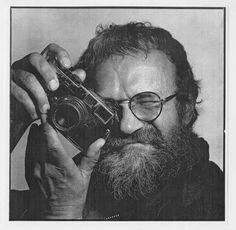 Josef Koudelka Self-Portrait Photographer Self Portrait, Portrait Poses, Portrait Photography, Famous Photography, Street Photography, The Dark Side, Leica Camera, First Photograph, Foto Art