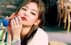 Kpop Girl Groups, Kpop Girls, Pretty Gif, Korean Girl Band, Photoshoot Pics, Korean Babies, Blackpink Video, Blackpink And Bts, Popular Girl