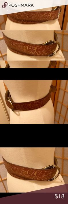 Brown belt with gold accents TV$25 This is size small/medium Accessories Belts