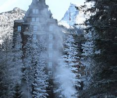 Christmas in Banff - Feature Image    #Canada #RockyMountains #Banff