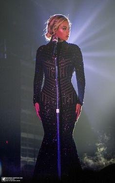 Beyoncé Performing Haunted At LG Arena Birmingham 24.2.2014