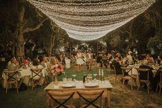 Nina et Mohamed, deux personnes d'univers et de traditions différents, nous ont confié l'organisation de leur mariage dans le sud de l'Italie. Leur confiance nous a permis de réaliser ensemble un mariage inoubliable. Vous découvrirez à travers ces photos une messe ainsi qu'une cérémonie musulmane, suivies d'une fête pleine d'émotion.Et tout cela dans le cadre d'une des plus belles masseria de la région des Pouilles.