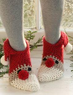 Christmas Slippers Free Pattern - Free Crochet Pattern Video Tutorial women's slippers - http://amzn.to/2ikL0vs