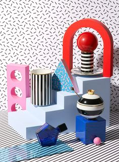 Still Life Gift Guide Editorial for Usta Magazine: Playful Issue. Set Design was inspired by Memphis Design Movement with Bold Patterns and Primary Colours – Red, Yellow and Blue. Memphis Design, Set Design, Design Art, Pattern Design, Interior Design, Kitsch, Memphis Milano, Design Movements, Still Life Photographers
