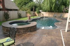 Small Backyard Free Form Pool With Jacuzzi Hinterhof Oase Whirlpools Small Swimming Pools, Small Pools, Swimming Pools Backyard, Swimming Pool Designs, Large Backyard Landscaping, Backyard Pool Designs, Small Backyard Landscaping, Backyard Ideas, Pool Ideas