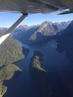 Felicidad sobre volar el Doubtful Sound en Avioneta. Despidiéndome de Nueva Zelanda, en un mes partimos ya...