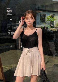 Be adorable, bubbly, sharp and sexy from time to time with CHUU. Shout it from within. Ulzzang, Korean Casual Outfits, Female Pose Reference, Keep My Cool, Western Dresses, Korea Fashion, Casual Elegance, Cami Tops, Girl Photography