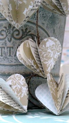 Craft Paper Wedding Table Heart Garland 46 Ideas For 2019 Valentine Crafts, Be My Valentine, Christmas Crafts, Christmas Ornament, Valentine Decorations, Ornaments, Origami, Rustic Wedding Favors, Wedding Table