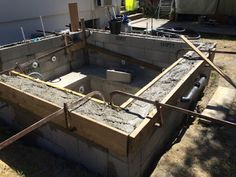 Coffrage beton on pinterest charpente b ton arm and for Construction piscine beton