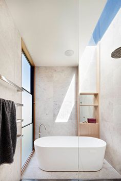 Australian Interior Design Awards - Henry Street House by Eugene Cheah Architecture Bathroom Luxury, Modern Bathroom Design, Bathroom Interior Design, Bathroom Bath, Bathroom Inspo, Bath Design, Bathroom Designs, Bathroom Ideas, Australian Interior Design