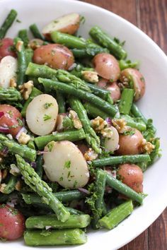 Potato Salad with Green Beans and Asparagus Kartoffelsalat mit grünen Bohnen und Spargel – Green Valley Kitchen Side Dish Recipes, Vegetable Recipes, Vegetarian Recipes, Cooking Recipes, Healthy Recipes, Vegan Asparagus Recipes, Avocado Recipes, Top Recipes, Healthy Tips
