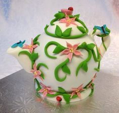 My first tea pot. - Cake by Gilles Leblanc Pretty Cakes, Beautiful Cakes, Amazing Cakes, Fondant Cakes, Cupcake Cakes, Fun Cakes, Teapot Cake, Cake Works, Clay Teapots
