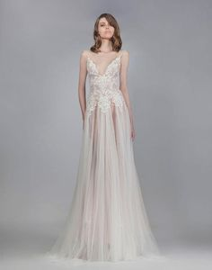 Fashion Friday: Victoria KyriaKides Bridal Fall 2016 | http://brideandbreakfast.ph/2016/03/04/victoria-kyriakides-bridal-fall-2016/