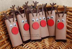 Chocolatinas Rodolfo, el reno de la nariz roja • Rudolph reindeer candy bars, DIY via Kerry's paper crafts