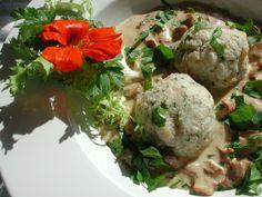Leckere Semmelknödel. Delicious dumplings.