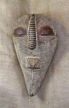 African masks and African statues from the Songye tribe of Congo. This Songye Mask measures inches tall. Arte Popular, African Masks, African Art, Atelier D Art, Art Premier, Head Mask, Art Sculpture, Masks Art, Indigenous Art