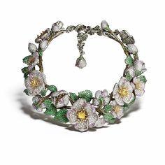 necklaces-yellow-diamonds