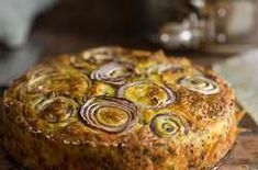 Cauliflower Cake recipe - This is the perfect dish to make if you are looking for a fancy vegetarian main course but would sit very comfortably on a brunch table. dinner main course yotam ottolenghi's cauliflower cake Yotam Ottolenghi, Ottolenghi Recipes, Vegetarian Dinners, Vegetarian Recipes, Cooking Recipes, Vegetarian Brunch, Veggie Dinners, Vegetarian Dish, Superfood
