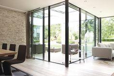 Tageslicht ist hier willkommen.#ebenerdig #bungalow #ground-level #livingroom #decoration #Terrasse #patio #glass Welcome, daylight.