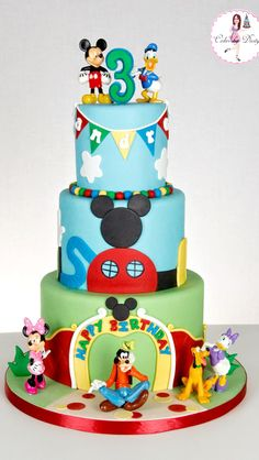 This was my first time making a Mickey Mouse Clubhouse cake and I didn& want to attempt to make the characters! I feel that t. Pastel Mickey Mouse Niño, Bolo Mickey E Minnie, Theme Mickey, Mickey Cakes, Mickey Mouse Cake, Mickey Mouse Clubhouse Birthday Party, Mickey Mouse Parties, Mickey Birthday, Mickey Party