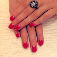 #red #nail #art #negative #space